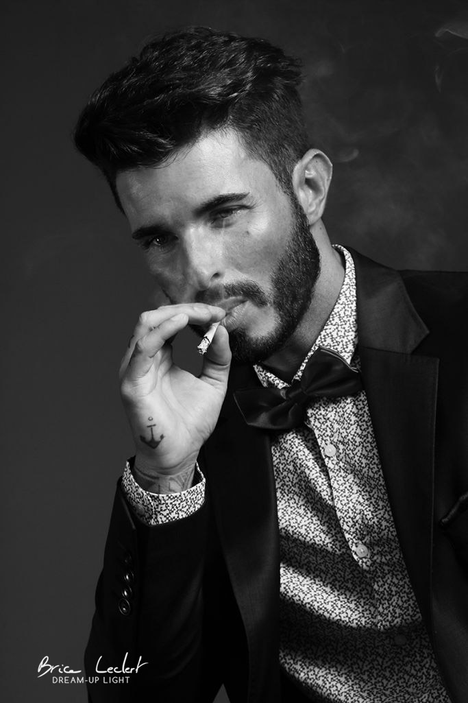 photographie homme en studio fumeur