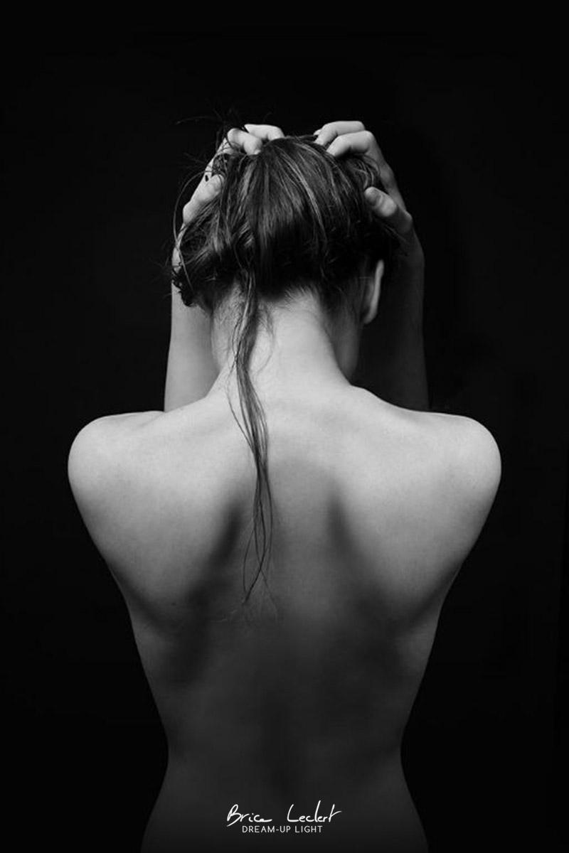 photographie d'un dos nu de femme