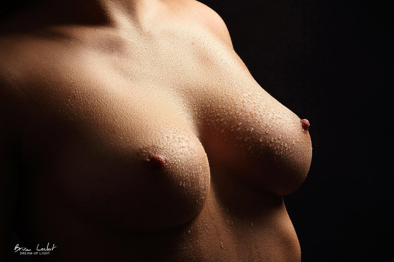 poitrine de femme nue